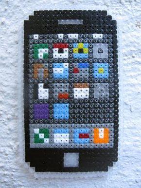 iPhone hama perler beads - perles à repasser : http://www.creactivites.com/229-perles-a-repasser