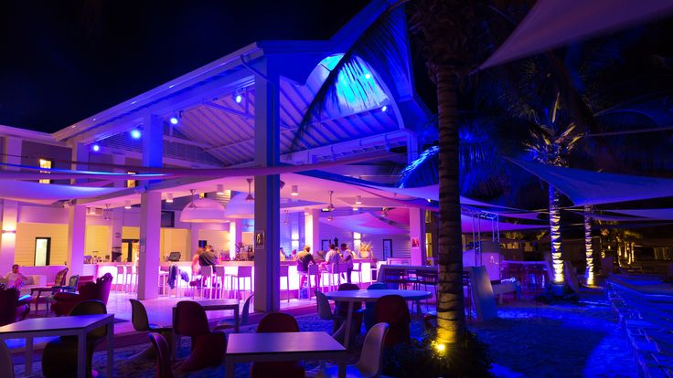 Beachbar im Papagayo Beach Hotel, http://bit.ly/1TH3W3G