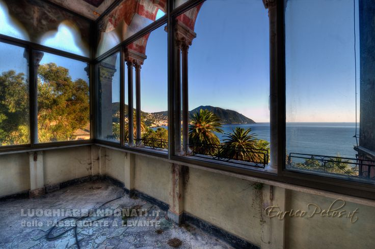 WINDOWS WITH LIGURIAN RIVIERA PANORAMA - FINESTRE CON PANORAMA SULLA RIVIERA LIGURE