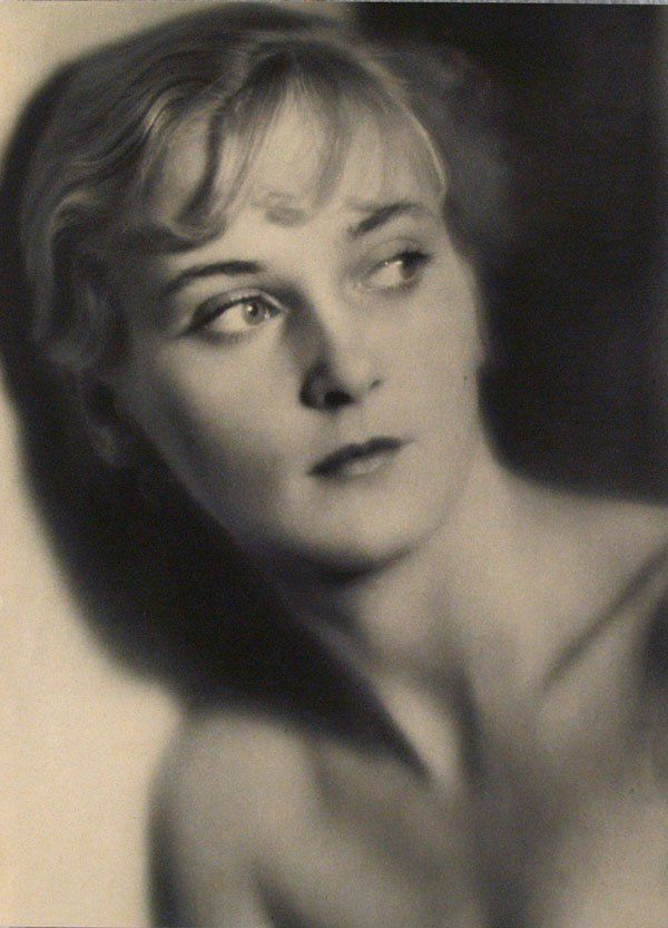 Laure Albin-Guillot  Nue Pensive 1931
