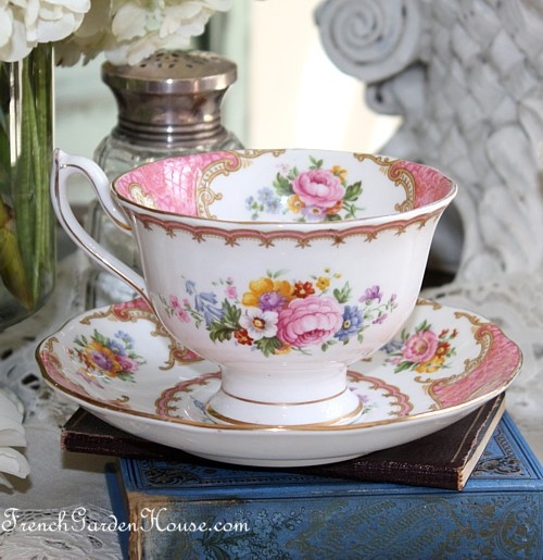 Vintage 1944 Royal Albert Pink Lady Carlyle Avon Tea Cup.  This is the shape of the tea cup I am collecting.  There are many different styles of tea cups with this pattern.
