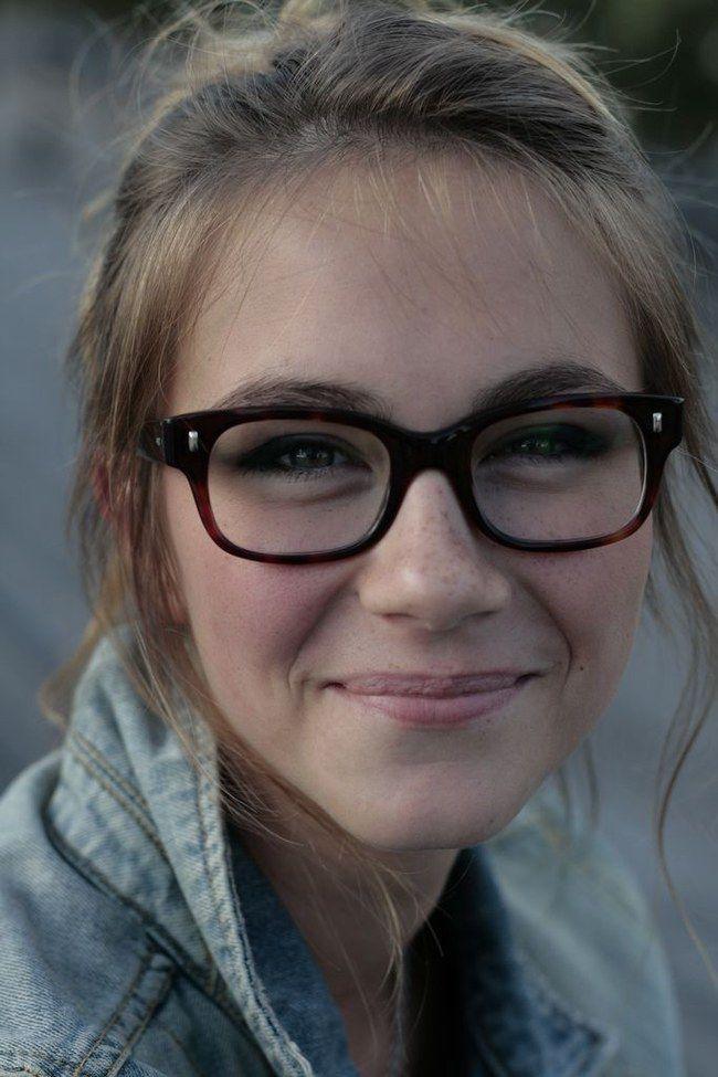 Como escolher o óculos de grau perfeito para o seu rosto                                                                                                                                                     Mais