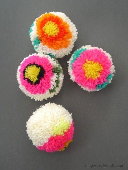 10 Awesome Pom Pom DIYs: Pom Pom Maker, Crafts Ideas, Diy Crafts, Diy Pompom, Pompom Flowers, Flowers Pompom, Flowers Pom Pom, Pompom Maker, Diy Pom Pom