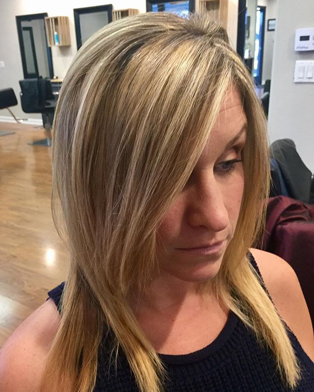 Highlights and cut for our All-Star Salon Coordinator! 😀  #radicihairstudio #solanabeach #delmar #carmelvalley #encinitas #carlsbad #lajolla #hairstyles #salon #hairsalon #haircut #love #hairpainting #balayage #smartblond #hairartist #blondehair #sdhair #sd #summer #lajollalocals #sandiegoconnection #sdlocals - posted by Radici Hair Studio  https://www.instagram.com/radicihairstudio. See more post on La Jolla at http://LaJollaLocals.com
