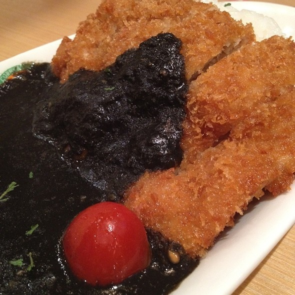 Mr Curry' chicken katsu with black curry by Ailice (FoodSpotting)