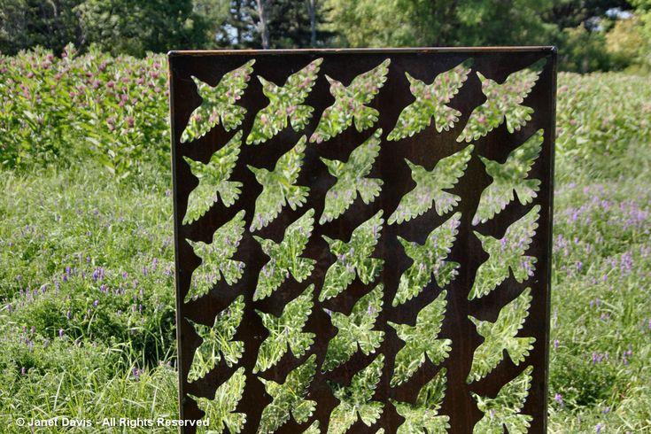 Artful Garden-Lino Barbosa-Hummingbird Cut Out