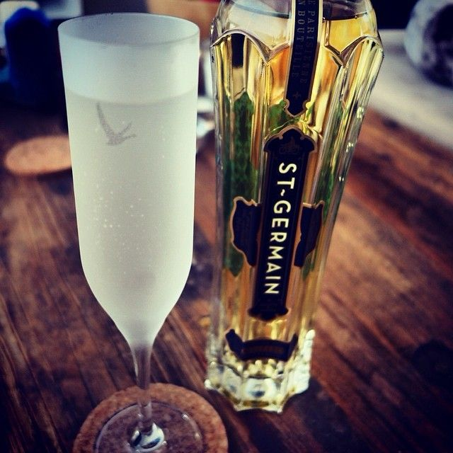 St. Germain, sparkling brut wine & soda. Great as aperitif cocktail! #ThreeMartiniLunch #TML #cocktail #CustomCreativeCatering #Aperitif
