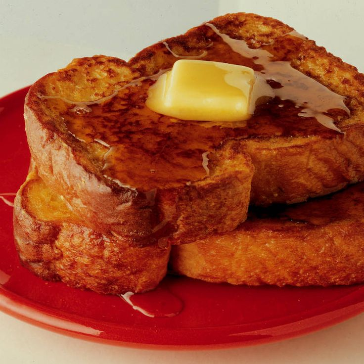 Easy Cinnamon French Toast with Cinnamon Syrup :Wake up your taste buds with the flavor of cinnamon extract added to French toast and syrup.