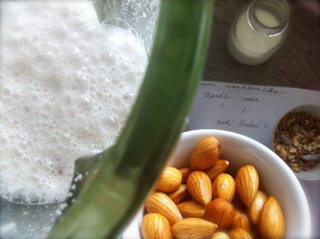 Domácí mandlové mléko | Home-Made.Cz