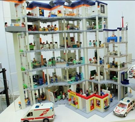 Hospital playmobil legos pinterest hospitals for Hospital de playmobil