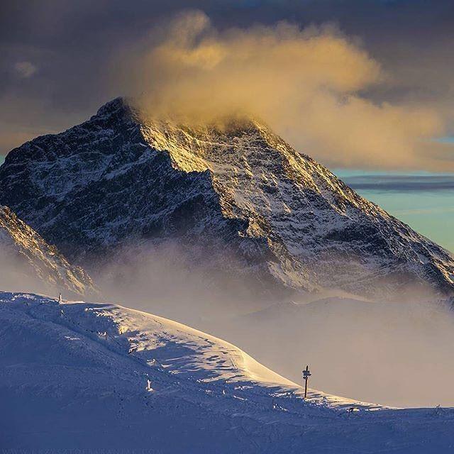 "via. @tatrasadventures  ""Fot. @krzysztofbaraniakfotografia   Tag #tatrasadventures  #góry #hory #tatramountains #kochamtatry #polska #vysoketatry #slovakia #visitpoland #visitslovakia #hightatras #tatras #tatra #mountainlove #mountainphotography #naturelovers #mountain #mountainlandscape #tatrzanskiparknarodowy #mountains #tatry #landscapephotography #adventure #podhale #highttatras #hikingtheglobe""  Zobacz więcej podróżniczych inspiracji na: http://ift.tt/2k1V00E  Polub nas na fb…"