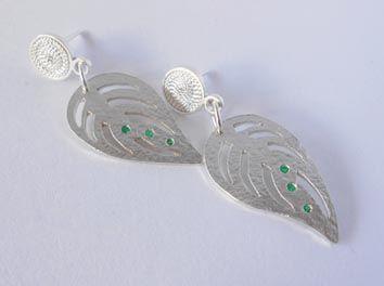 Hojas con esmeraldas. BEATRIZUNIGA Diseño de joyas