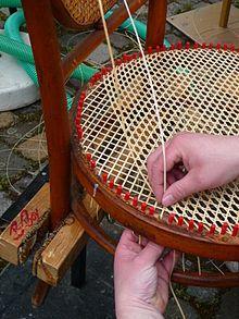 Een stoelenmatter is iemand die als beroep stoelen mat. Het is een oud ambacht dat ondanks moderne technieken, nog steeds gevraagd is bij antiquairs en verzamelaars van oude meubels. Het restaureren van oude cannages en stoelen is zeer actueel. #Siepelmarkten