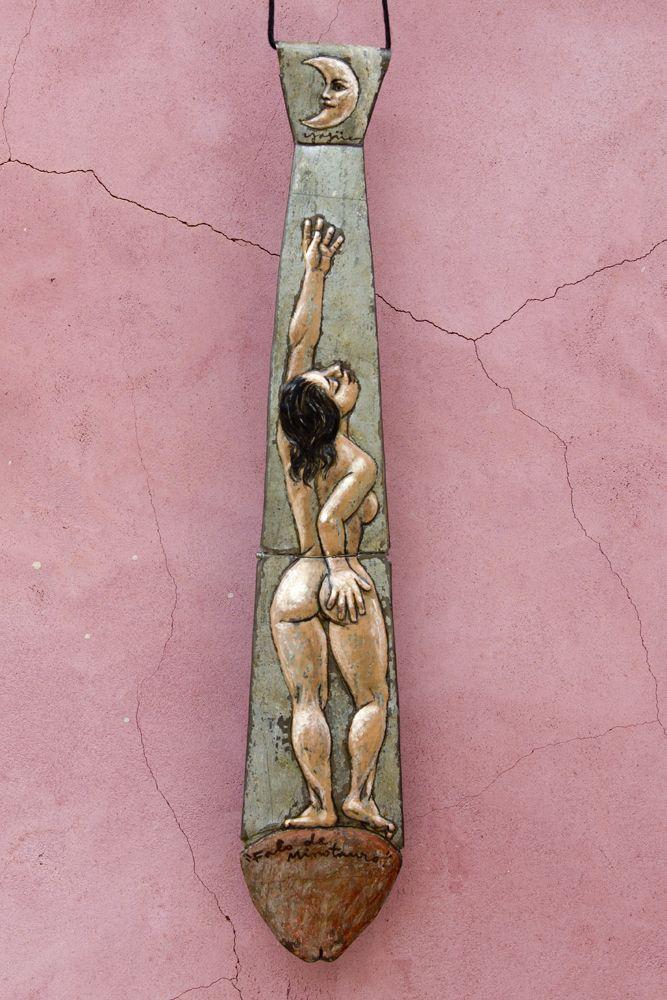 FALO DE MINOTAURO. 42 x 8 cm. Acero y acrílico. 600 €