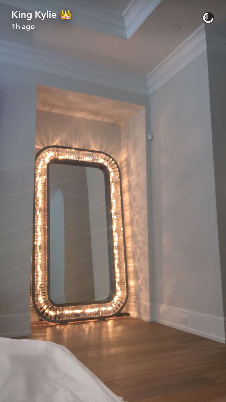 Kylie Jenner bedroom mirror