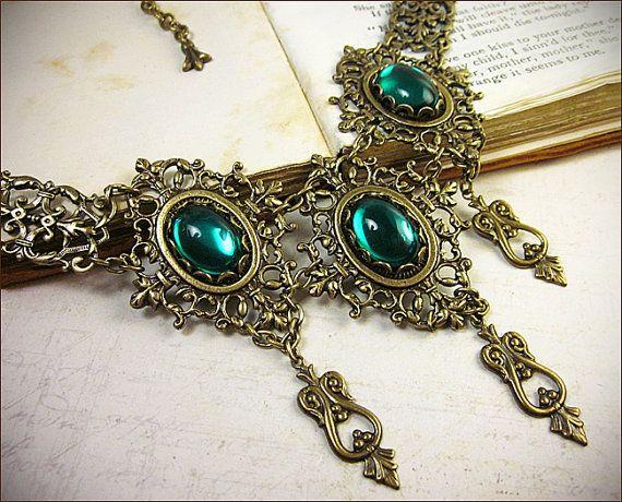 Smaragd Halskette Renaissance-Schmuck von RabbitwoodandReason