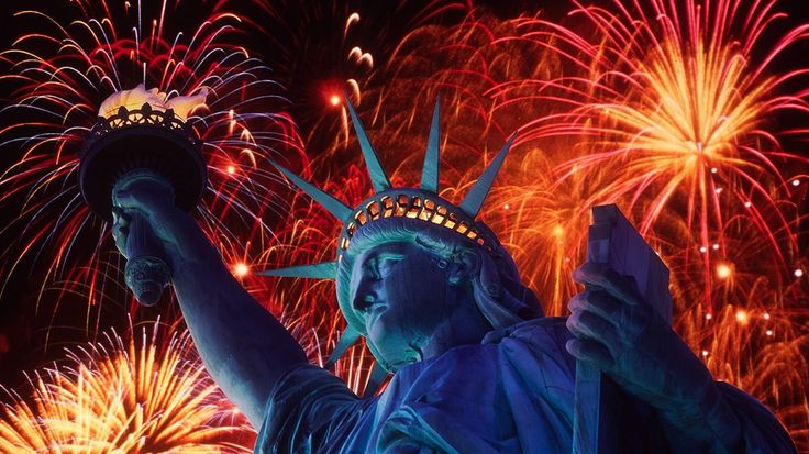 Statue Of Liberty At Christmas Wallpaper