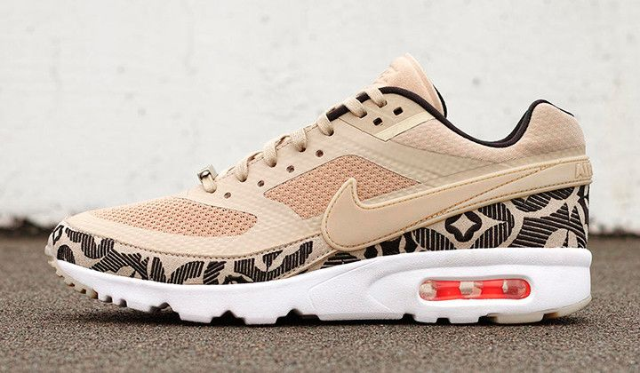 nike-air-max-classic-bw-ultra-city-collection-london-1