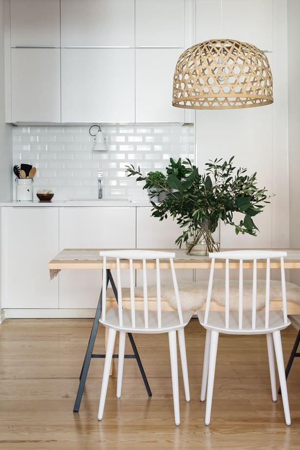 foorni.pl   Skandynawski styl w Portugalii, lampa nad stół, white kitchen