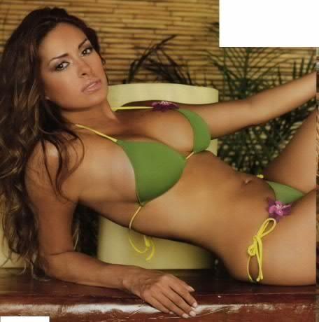 Geo strapless bikini top