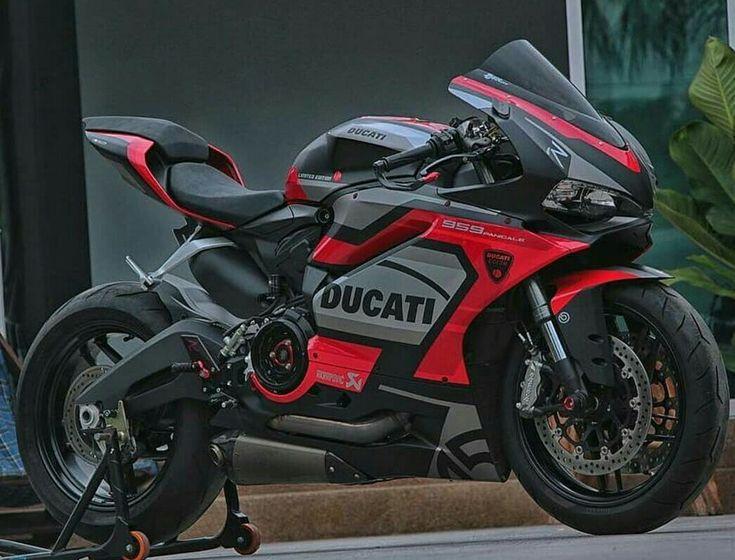 Ducati. Nice colors.