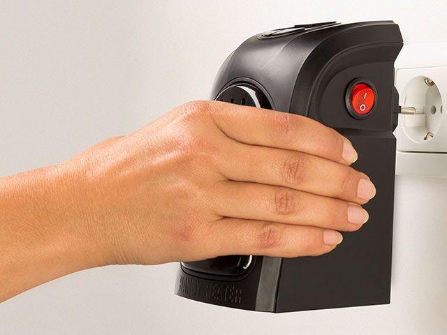 Mic si compact, dar in acelasi timp puternic, Rovus Handy Heater face o camera sa fie calda si primitoare. Ocupa mult mai putin spatiu decat alte aparate de incalzit si poate fi transportat cu multa usurinta.