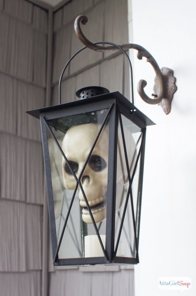 Love all these outdoor Halloween decorations for the front porch. So much spooky fun at AttaGirlSays.com:
