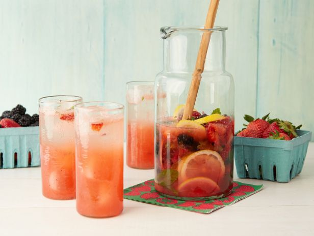 Muddled Lemonberryade: Lemonberryad Recipe, Summer Drinks, Muddl Lemonberryad, Lemon Mojito, Fresh Berries, Cookingchanneltv Com, Drinks Recipe, Cooking Channel, Michael Chiarello