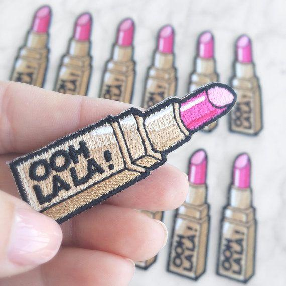 Lippenstift Patch Iron-On geborduurde door WildflowerandCompany