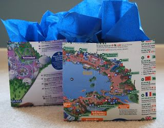 Disney gift bag - instructions on how to turn a park map into a gift bag