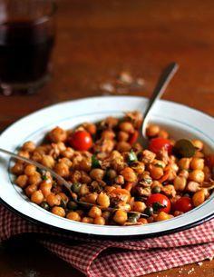 Vegetarisches Kichererbsen-Curry: http://www.gofeminin.de/abnehmen/kalorienarmes-mittagessen-s1694277.html