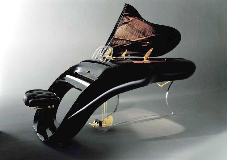 車のデザイナーの作だそうです。その名も「PEGASUS(ペガサス)」 値段は110'000ドル前後、エディ·マーフィ、レニー·クラヴィッツ、プリンスなどのセレブも所有しているとのことです。