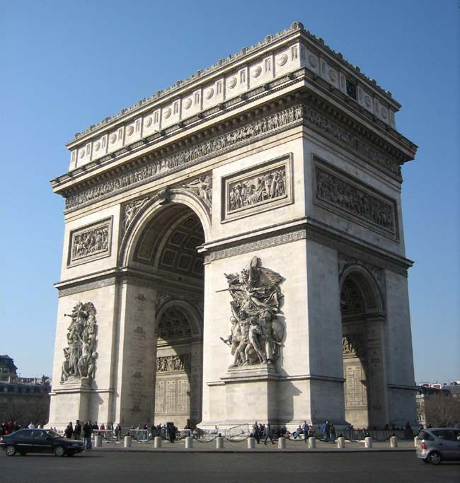 Está em busca de um roteiro para 4 dias em Paris? Nesse post detalhamos o nosso, além de dicas de hospedagem, transporte, o que fazer e de como economizar.