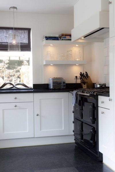 Luces debajo las estanterias Designa | Fotocases | Jaren 30 villa Hilversum
