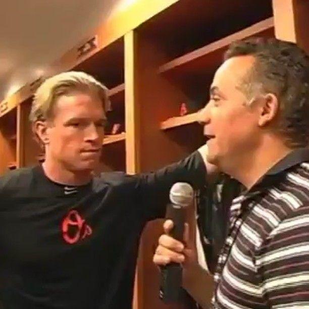 Pelotero retirado de las grandes ligas(MLB) Mate Mclouth del equipo Los #Orioles hablando español.