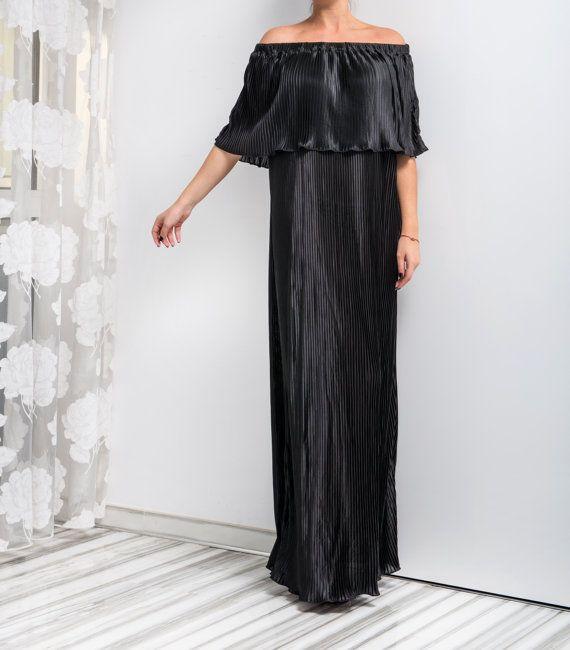 NEW HOLIDAY Maxi Pleated Dress Black Maxi by cherryblossomsdress