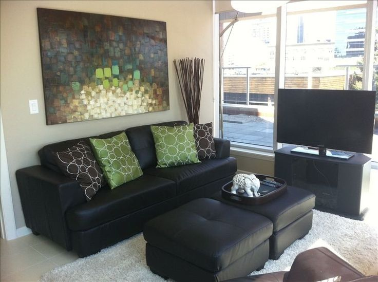 Condo Downtown - 2 QBR, large patio, 1350/week 225/night - fitness centre, parking, laundry, BBQ, wifi, DVD