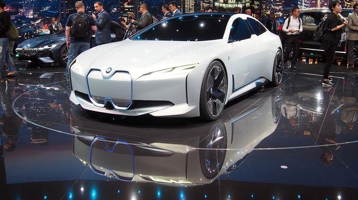 Un paseo por el Salón del Automóvil de Frankfurt: el dominio de lo eléctrico está cerca, la conducción autónoma no tanto.   #SalonDelAutomovil #Frankfurt #Automovil #Novedades #Autos #Volkswagen #Skoda #MercedesBenz #BMW #Honda #Audi #Smart #Renault #Bugatti