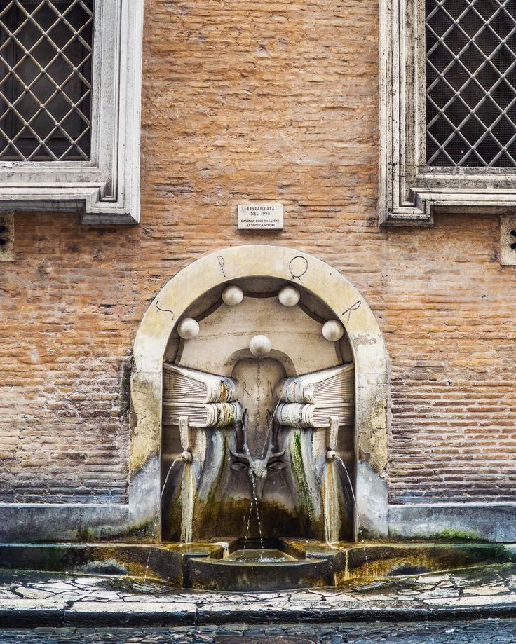 Untitled. Location: Rome Italy : Sony A6000 / Zeiss 32mm f/1.8  #fountain #architecture #rome #roma #italy #italia #europe #travel #mirrorless #sony #sonyimages #sonyalphasclub #sonyalpha #alpha #a6000 #zeiss #carlzeiss #nikcollection