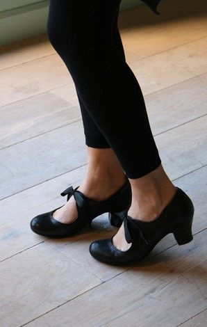 """I promised myself 2 things recently: """"no more black dresses"""" & """"no more black shoes."""" I've already broken my promise to myself on the dresses; I would do the same in a second regarding the shoes for these bad boys."""