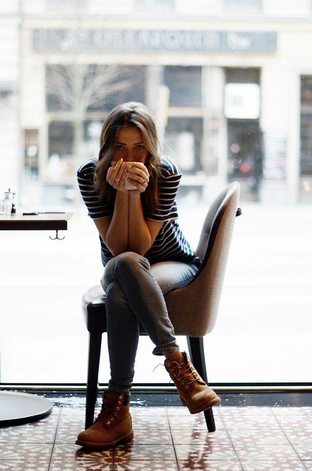 J'ai besoin d'un café aussi serré que les seins de ma voisine dans un bonnet A.