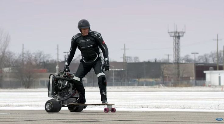 En Video: Dolph Lundgren promueve motor de #Ford