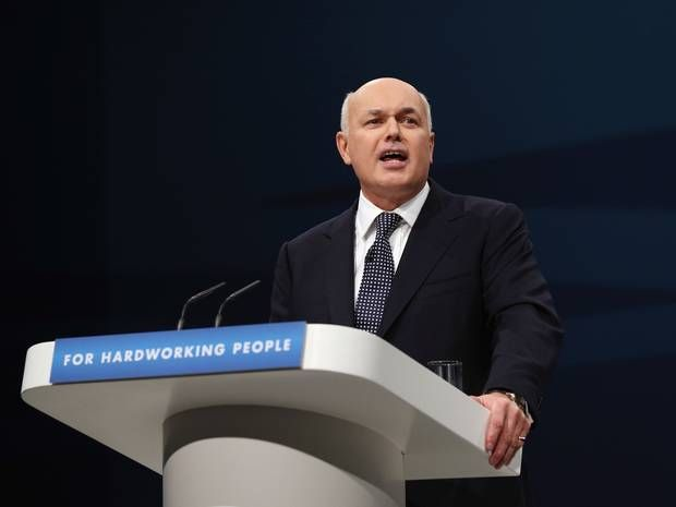 Iain Duncan Smith's expenses credit card is suspended after he runs up £1,000 debt to taxpayer - UK Politics - UK - The Independent