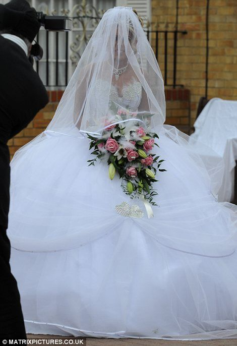 You 39 ve got to hand it to her sixteen year old big fat for I give it a year wedding dress