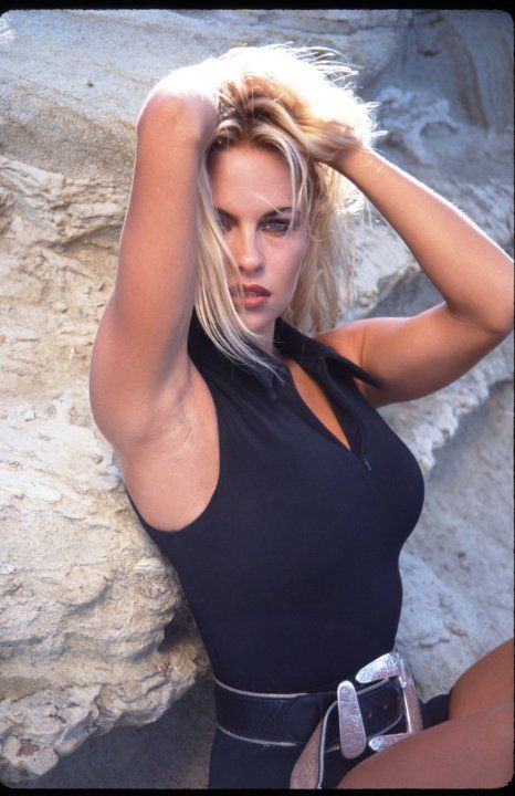 Still of Pamela Anderson in Baywatch (1989)