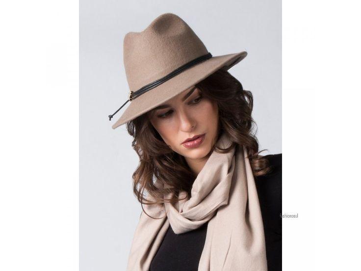 Dámský luxusní klobouk s koženým páskem ze 100% vlny