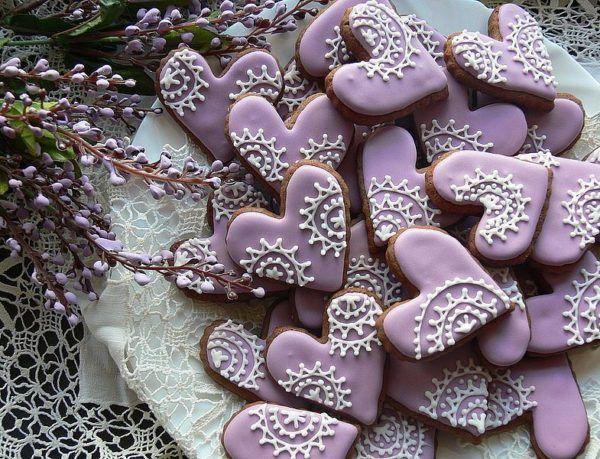 Фиолетовые пряничные сердца