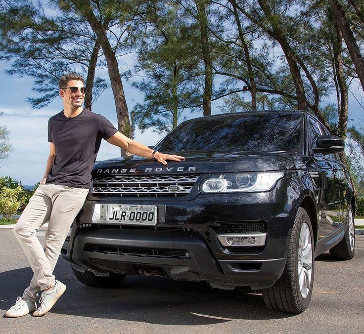 Land Rover: marca contrata ator Montadora britânica de veículos utilitários esportivos premium recrutou Cauã Reymond para atuar nas próximas ações de marketing da empresa. Com contrato de um ano o ator terá à sua disposição um Range Rover Sport como esse da foto. Modelo mais esportivo da Land Rover capaz de acelerar até 250 km/h e encarar um off-road. Nada mal esse serviço heim?  #CarroEsporteClube #LandRover #RangeRoverSport