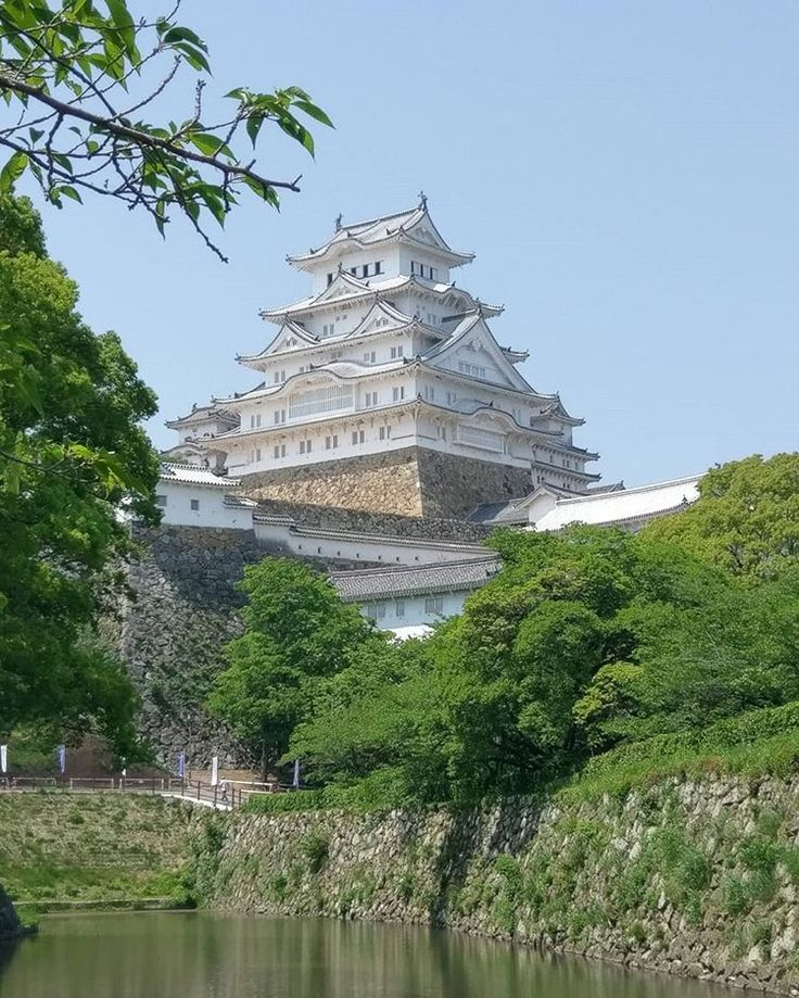 himeji guys Thanks for the input guys hmmmsounds like himeji may not be a good place for the 2 grandmas then while they are mobile, they probably can't climb up endless flights of stairs.
