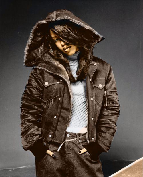 Foto de Aaliyah  número 6473